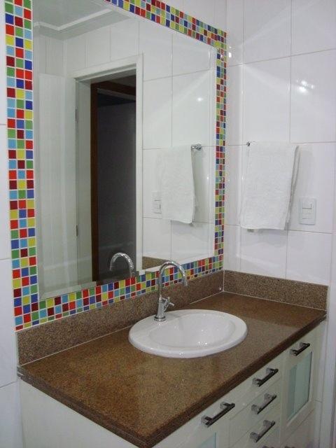 Pastilhas de vidro para banheiros – Raphaela Rabelo -> Banheiros Decorados Lilas