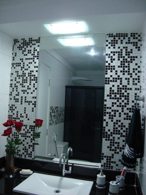 Pastilhas de vidro para banheiros – Raphaela Rabelo -> Banheiro Com Pastilha Em Volta Do Espelho